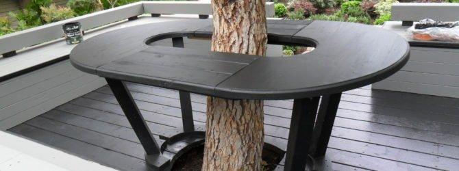 Стол вокруг дерева