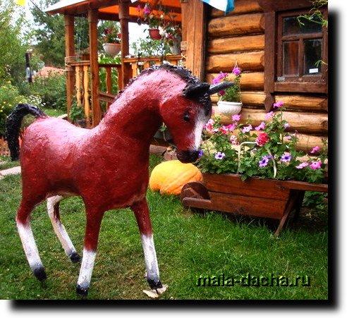 Поделки для сада своими руками-лошадка