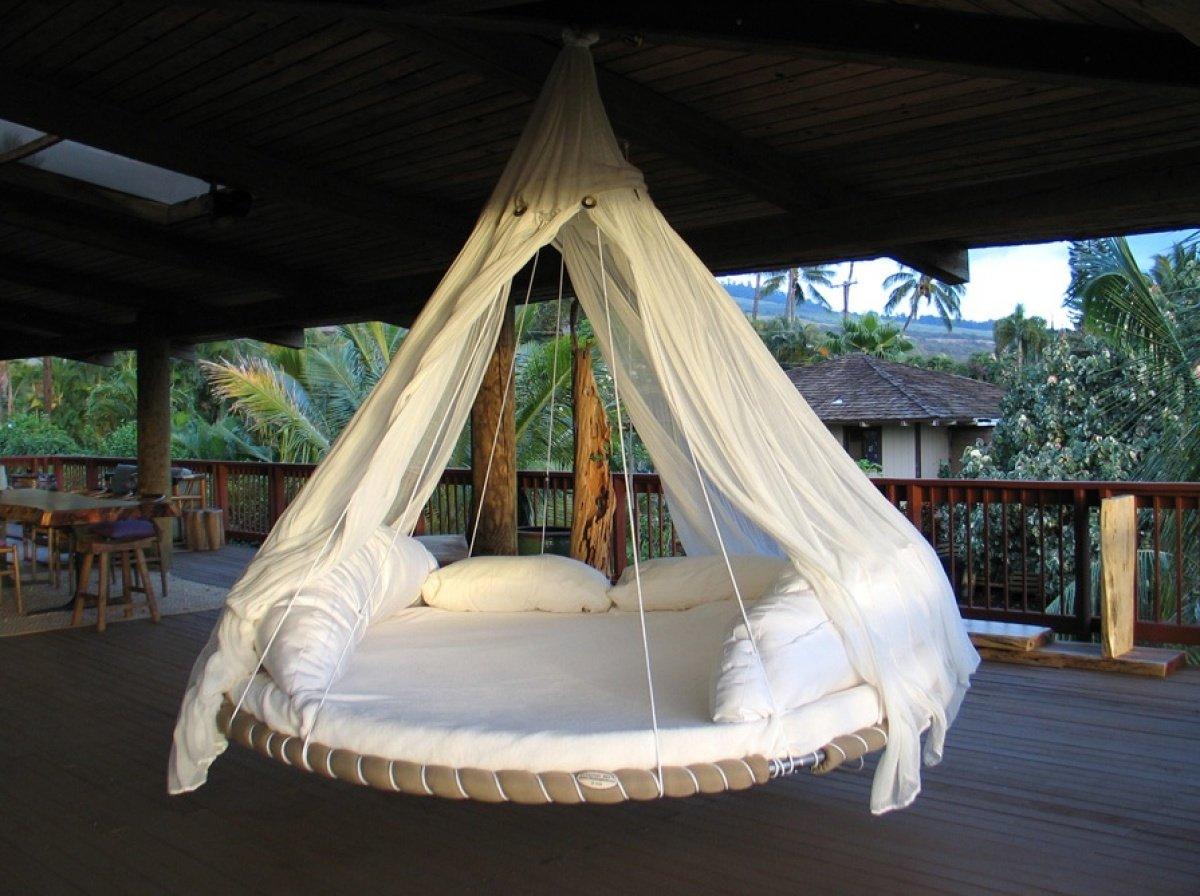 Подвесная круглая кровать для дачи своими руками