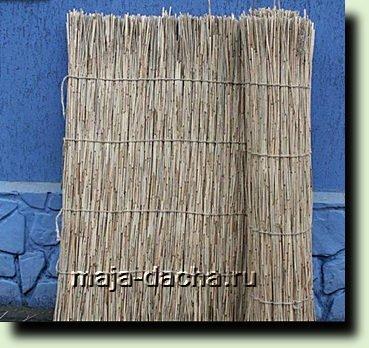 Декоративный забор для дачи из тросника делаем сами