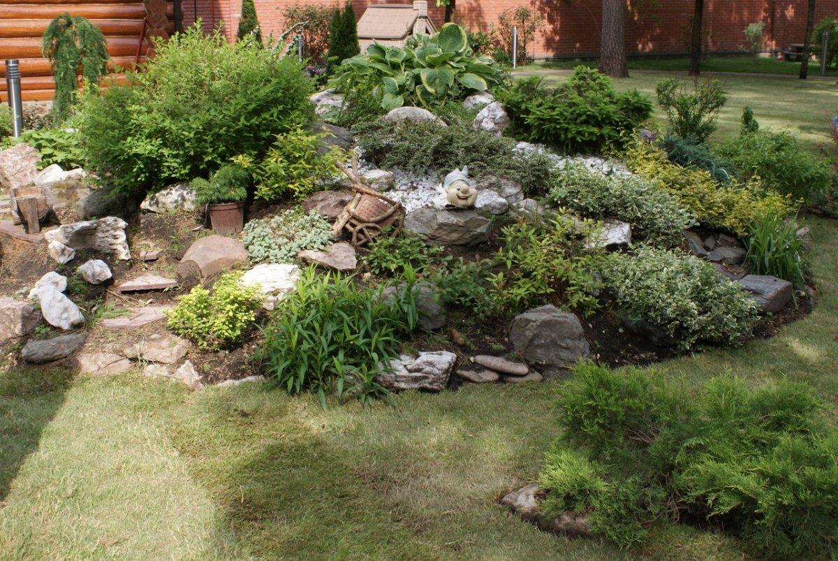 Дизайн горок в саду