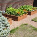 Компостный ящик как украшения сада