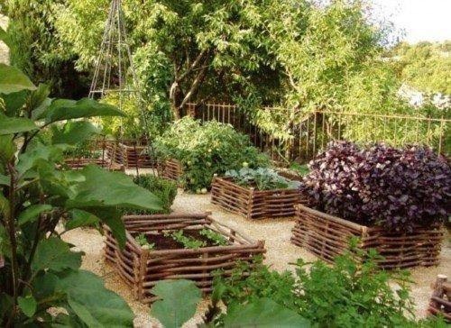 Увеличение высоты гряд в саду