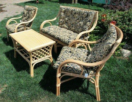 Мебель для зоны отдыха должна быть легкой, такой, как например, плетеная