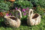 Керамические фигурки в саду станут хорошим украшением