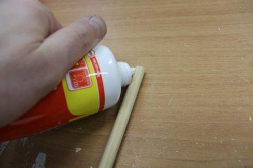 iz-tyubika-obrabatyvayut-letok-500x333 Как сделать скворечник своими руками – 7 мастер-классов чертежи!