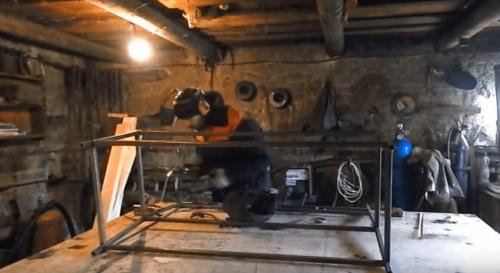 Сваривание конструкции лавочки