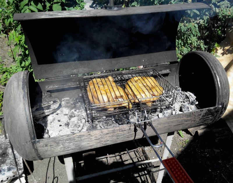 Жарка мяса на мангале из газового баллона