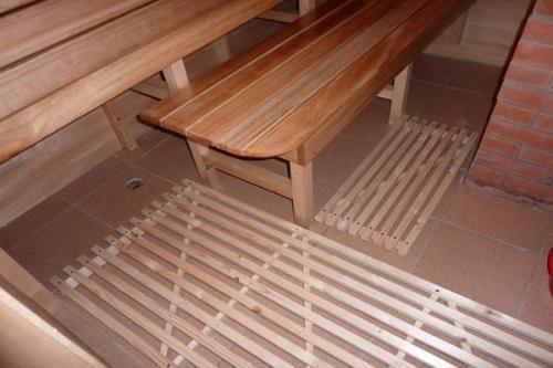 Плиточный пол в бане