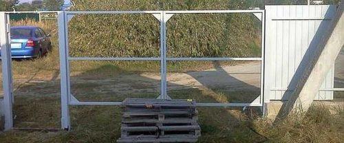 Установка ворот на место