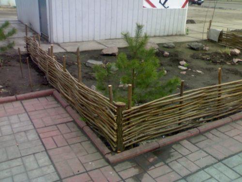 Плетёная ограда