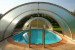 Бассейн с навесом из поликарбоната