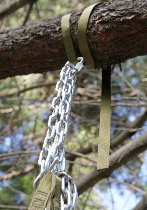 Крепление качелей к дереву