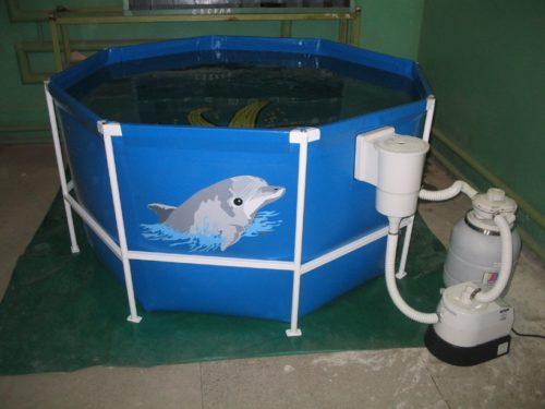 Каркасный бассейн со стойками из пластика