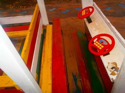 Кабина грузовика для детской площадки