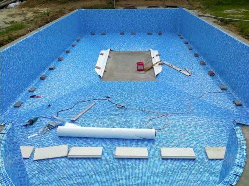 Внутренняя отделка бассейна бутилкаучуковой плёнкой
