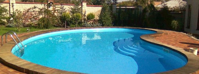 Чистить бассейн