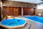 Разные виды бассейнов в одном помещении