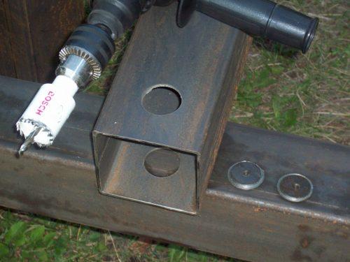 Использование дрели с коронкой на 31 мм