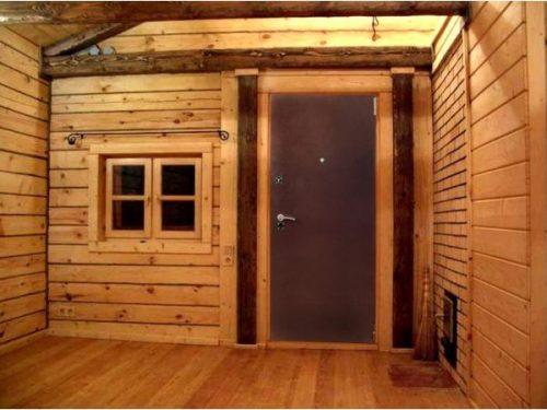 Металлическая входная дверь в баню