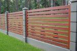 Забор из досок и бетона