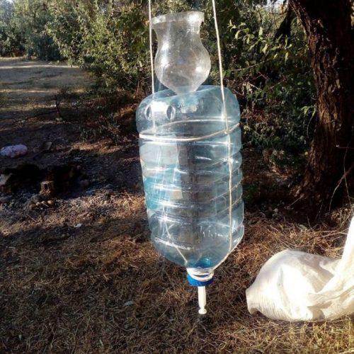 Модель рукомойника из пластиковой бутылки