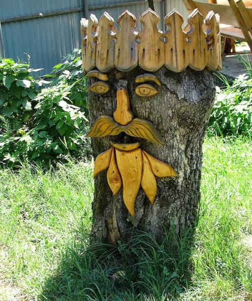 Фигура для декора дачи из старого пня