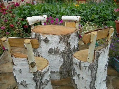 Мебельный набор из стволов и берёзовых поленьев