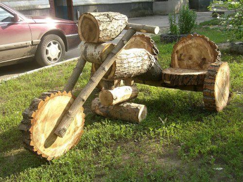 Эффектный деревянный мотоцикл