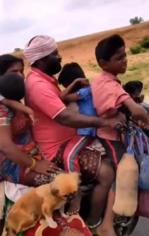 индийцы на мотоцикле